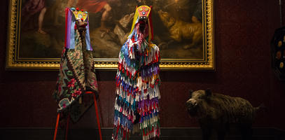 At the Musée de la Chasse et de la Nature, Romanian folk-art pieces are in dialogue with 18th century French paintings.